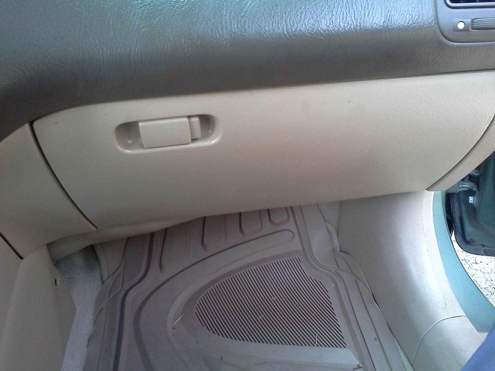 Below, You Will See That Honda Did A Good Job Making The Process Much  Easier Than It Is On Some Other Makes. You Will Notice The Tabs On The  Inside Of The ...