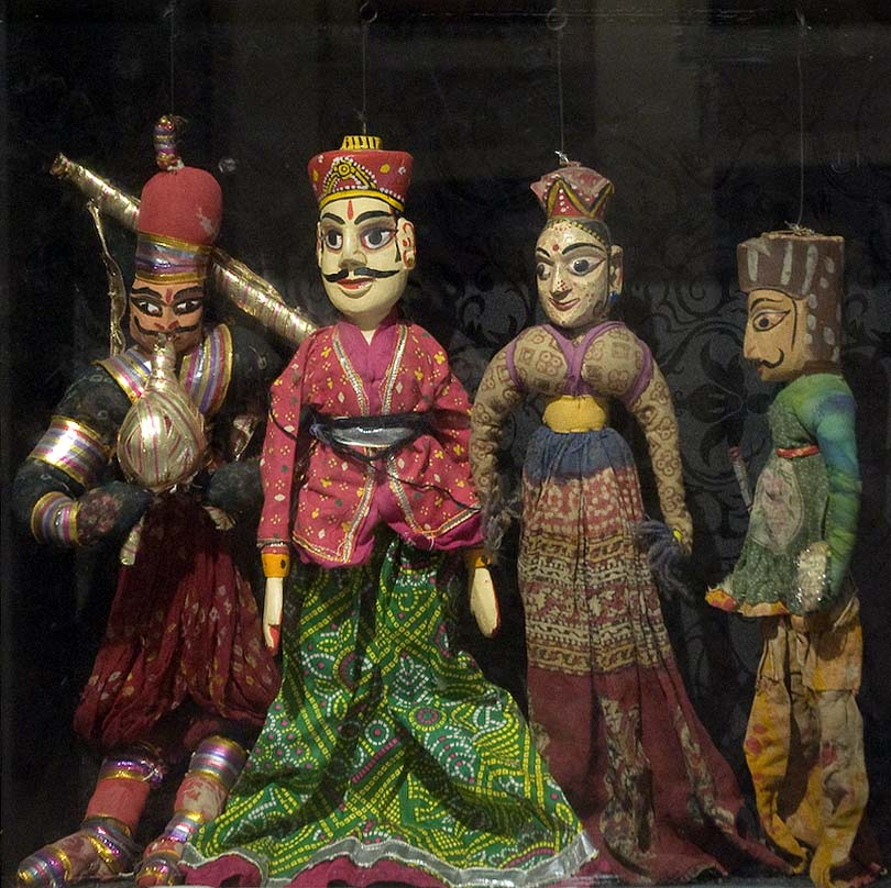 puppetry in pakistan After the partition of india and pakistan in 1947, most of the puppeteers relocated  to villages in nadia district of west bengal it was thus that string puppetry.