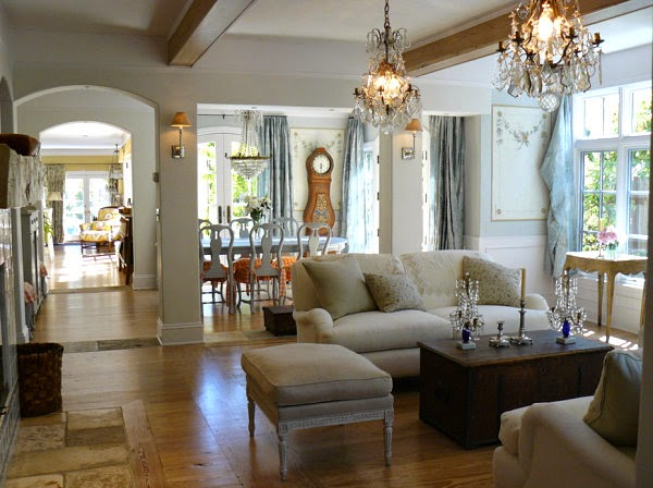 Eye for design decorating with french crystal candelabras for Modern french country interior design