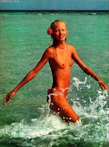 l'image même de l'été : Madleen Kane , blonde et bronzée ...