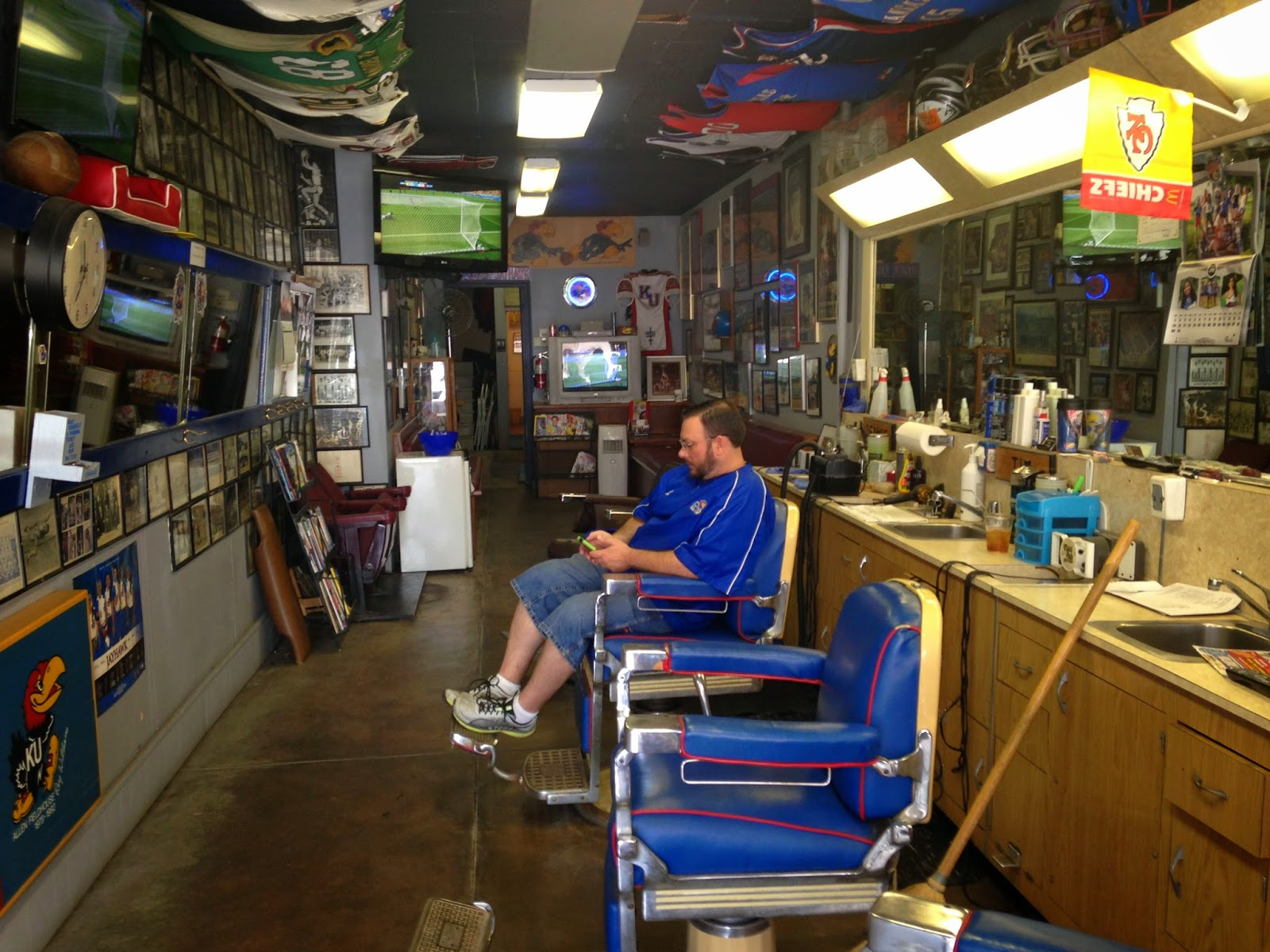 Barber Shop Lawrence Ks : CombatCriticGives Rexs Stadium Barbershop 9 Out Of 10 Bombs ... BOMBS ...