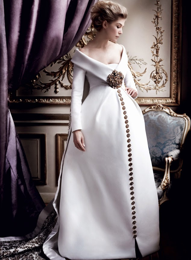 Opera fresh what 39 s in a name rosamund pike photographed for Haute couture meaning in english