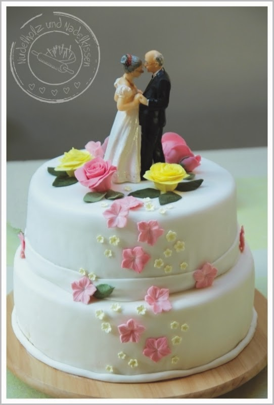 Nudelholz Und Nadelkissen Hochzeitstorte