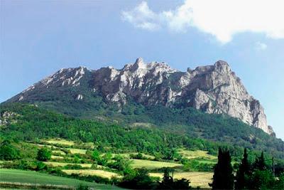 montaña donde hay ovnis y extraterrestres en francia