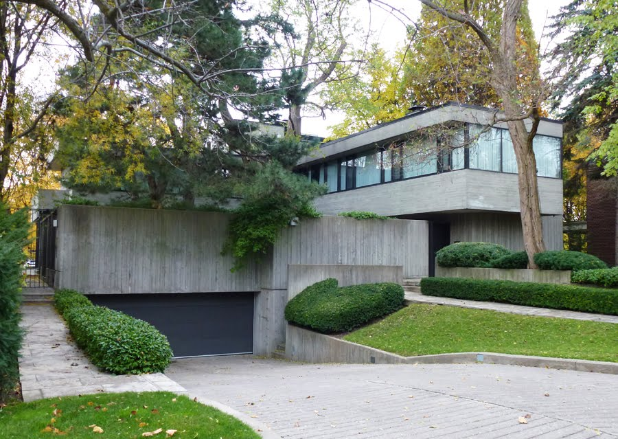 Anyone here living in or actively using a brutalist for Home architecture reddit