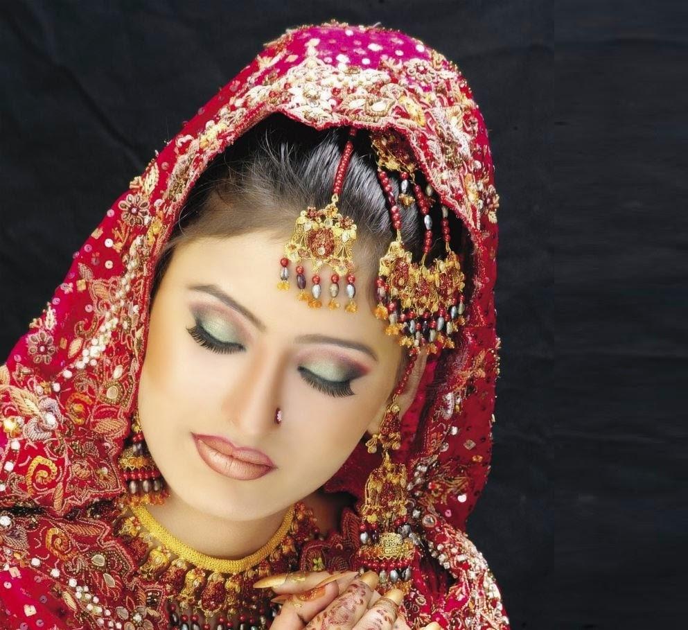 Beautiful And Latest Dulhan Wedding Makeup 2014-2015 Wallpapers