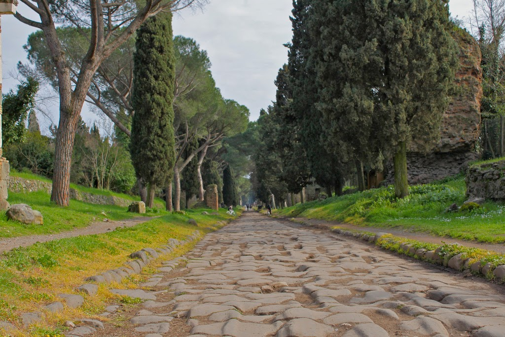 Historia de los inventos la primera autopista de la historia for Cioccari arredamenti via appia