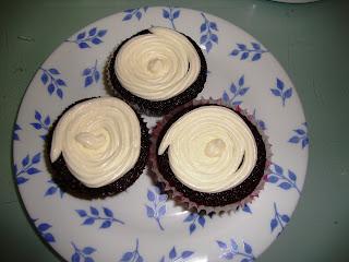 Cupcakes de guinness con frosting de queso