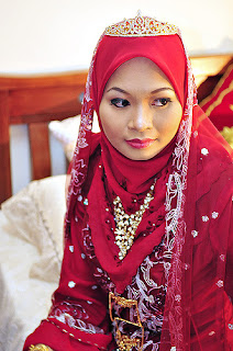 woman looking man malaysia