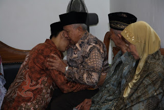 Izin Nikah dengan Kakek dan Nenek