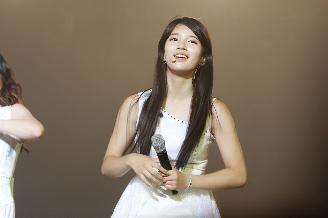 "[PICTURE] BAE SUZY ""JYP Nation Concert"" White Beauty"