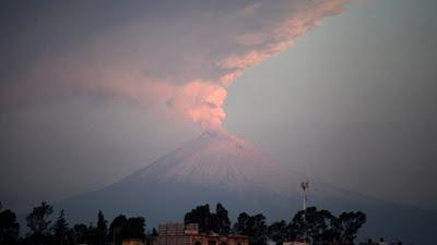Volcán Popocatépetl, México, 19 de Abril de 2012