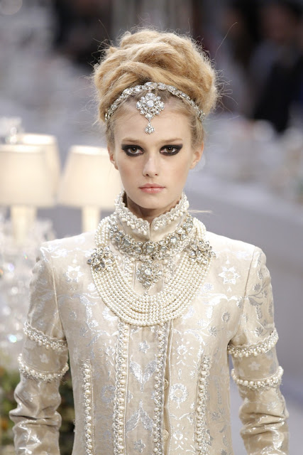 Chanel Paris Bombay Pre-fall 2011 12 Full Fashion Show heaven on fashion earth