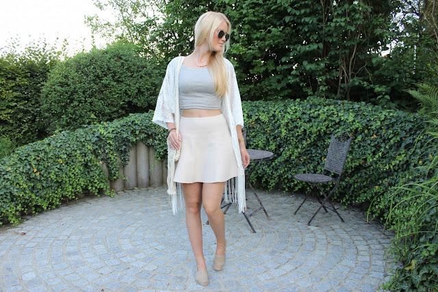 How to style Boho Espadrij TheBlondeLion Outfit Espadrilles Fringes Kimono