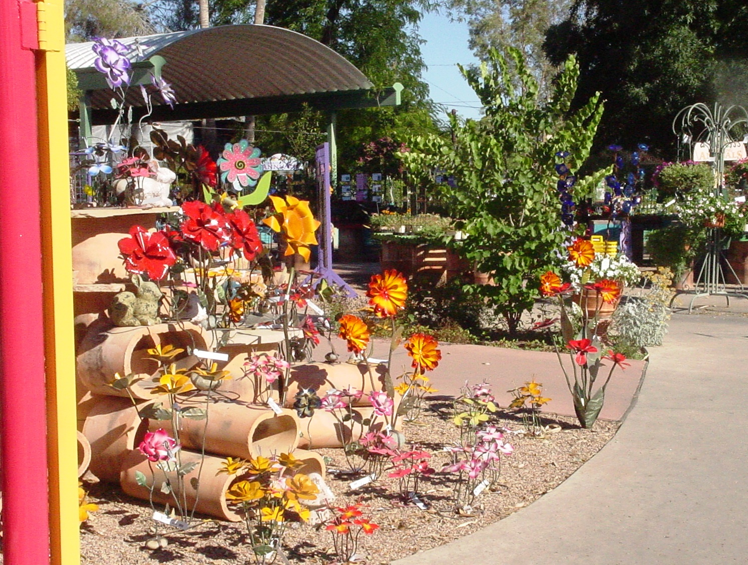 At The Entrance Of Harlow Gardens You Will Be Transported To Tucsonu0027s  Version Of Munchkinland   Brilliantly Colored, Oversized Blooming Flowers  Greet You.