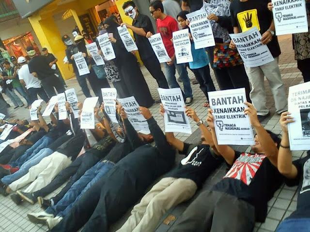 Flash Mob Bantah Kenaikan dan bantah Pergantungan The Heat