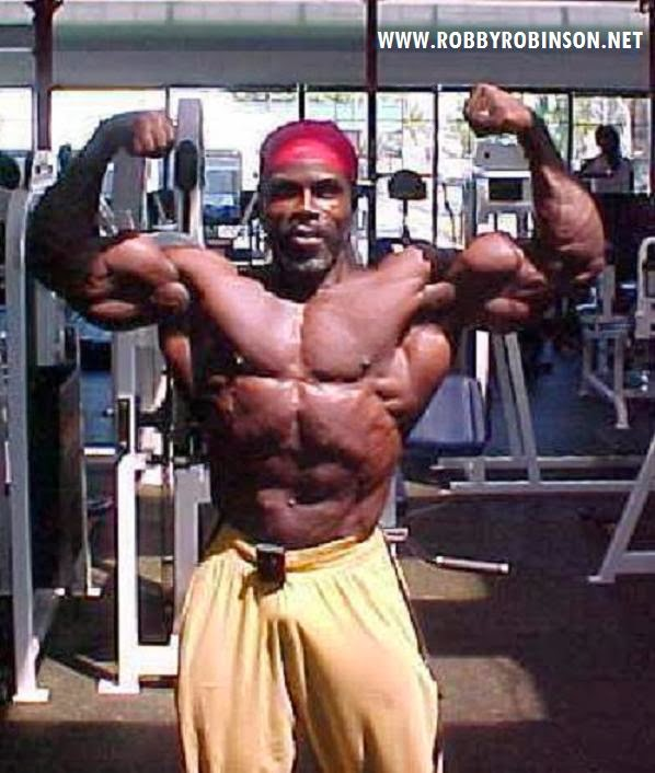 ROBBY ROBINSON - FRONT DOUBLE BICEPS WORKOUT & POSING AT WORLD GYM 2007 ● www.robbyrobinson.net/motivation.php ●