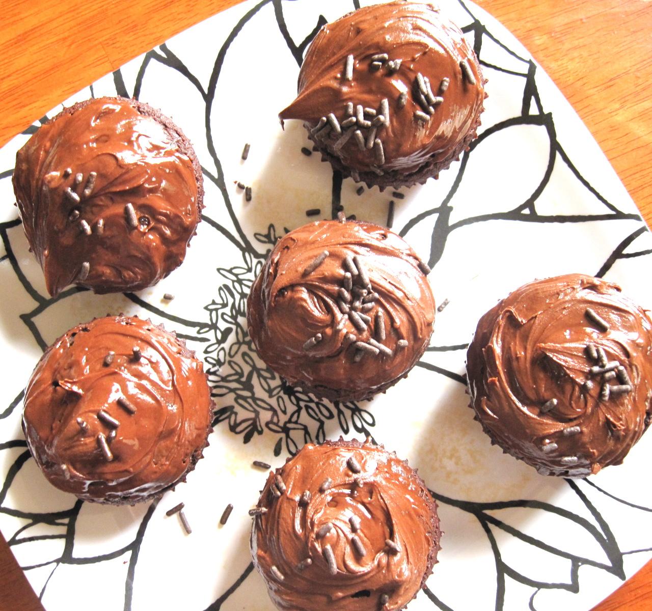 Petite Athleat: Paleo Chocolate Cupcakes