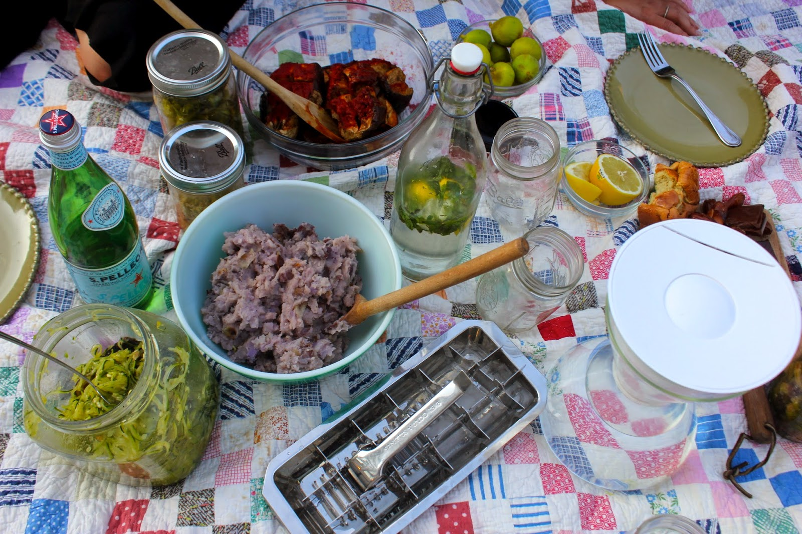 Trash is for Tossers: Hosting a Zero Waste Picnic.