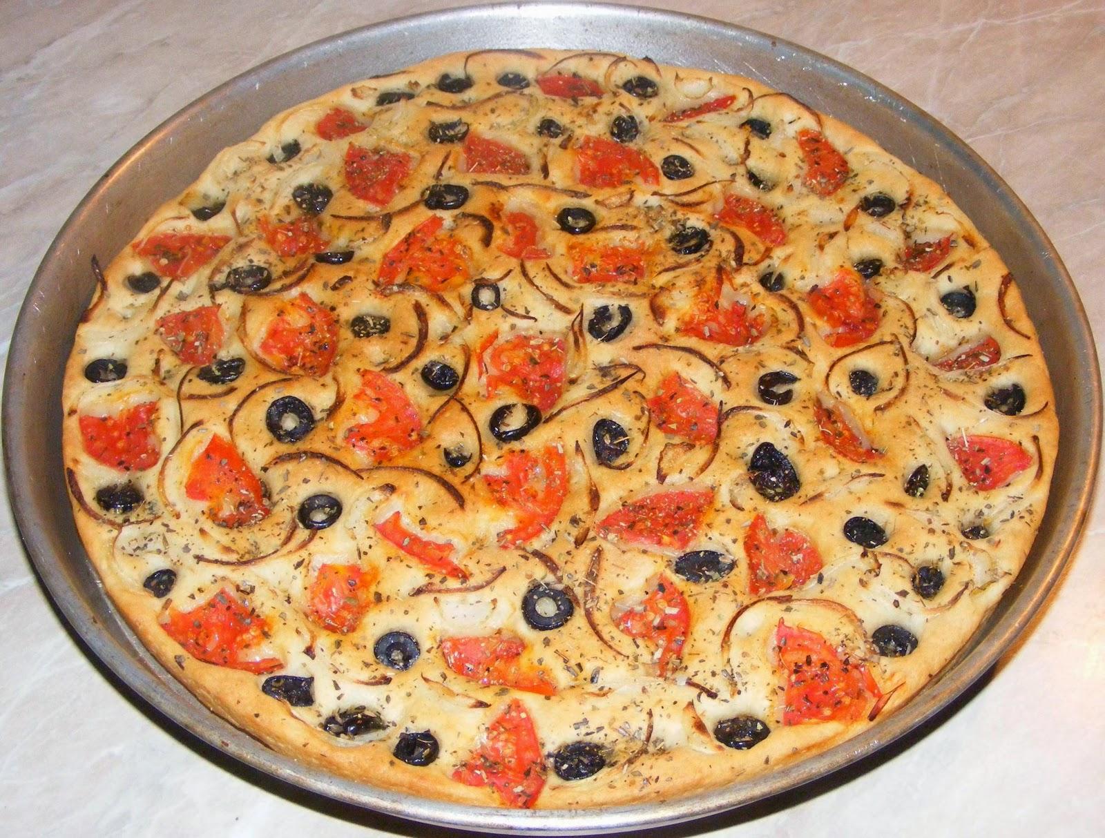 focaccia, reteta focaccia, focaccia italiana, focaccia de post, retete de post, retete de mancare, retete straine, retete italiene, pizza, blat pizza, paine, retete culinare, retete si preparate culinare focaccia, retete milaneze,