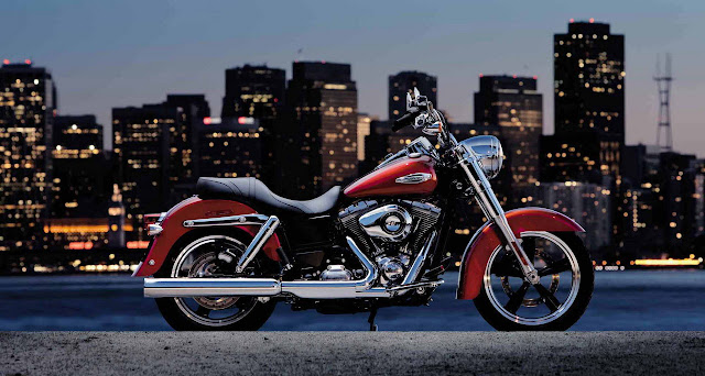 2012-Harley-Davidson-FLD-DynaSwitchback