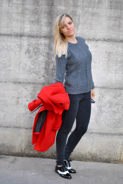 outfit maglione in lana grigio come abbinare un maglione grigio abbinamenti maglione grigio outfit grigio come abbinare il grigio how to wear grey sweater grey sweater street style how to wear grey sweater how to combine grey sweater outfit outfit casual invernali outfit da giorno invernale outfit dicembre 2015 december outfit casual winter outfit mariafelicia magno fashion blogger colorblock by felym fashion blog italiani fashion blogger italiane blog di moda blogger italiane di moda fashion blogger bergamo fashion blogger milano fashion bloggers italy italian fashion bloggers influencer italiane italian influencer