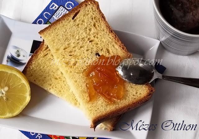 narancsos kalács kenyérsütőgépben fotó