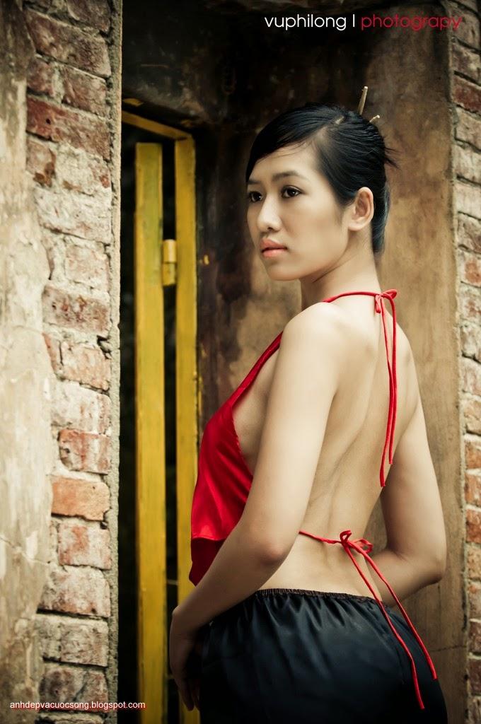 Thiếu nữ duyên dáng với áo yếm xưa 13