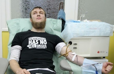 Muslim Rusia Donorkan Darah Sedangkan Putin Menumpahkan Darah di Suriah