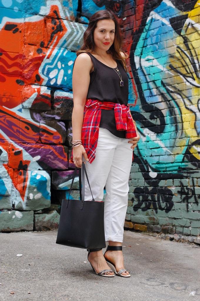 90s fashion flannel shirt Gap boyfriend jeans Mansur Gavriel tote Vancouver blogger