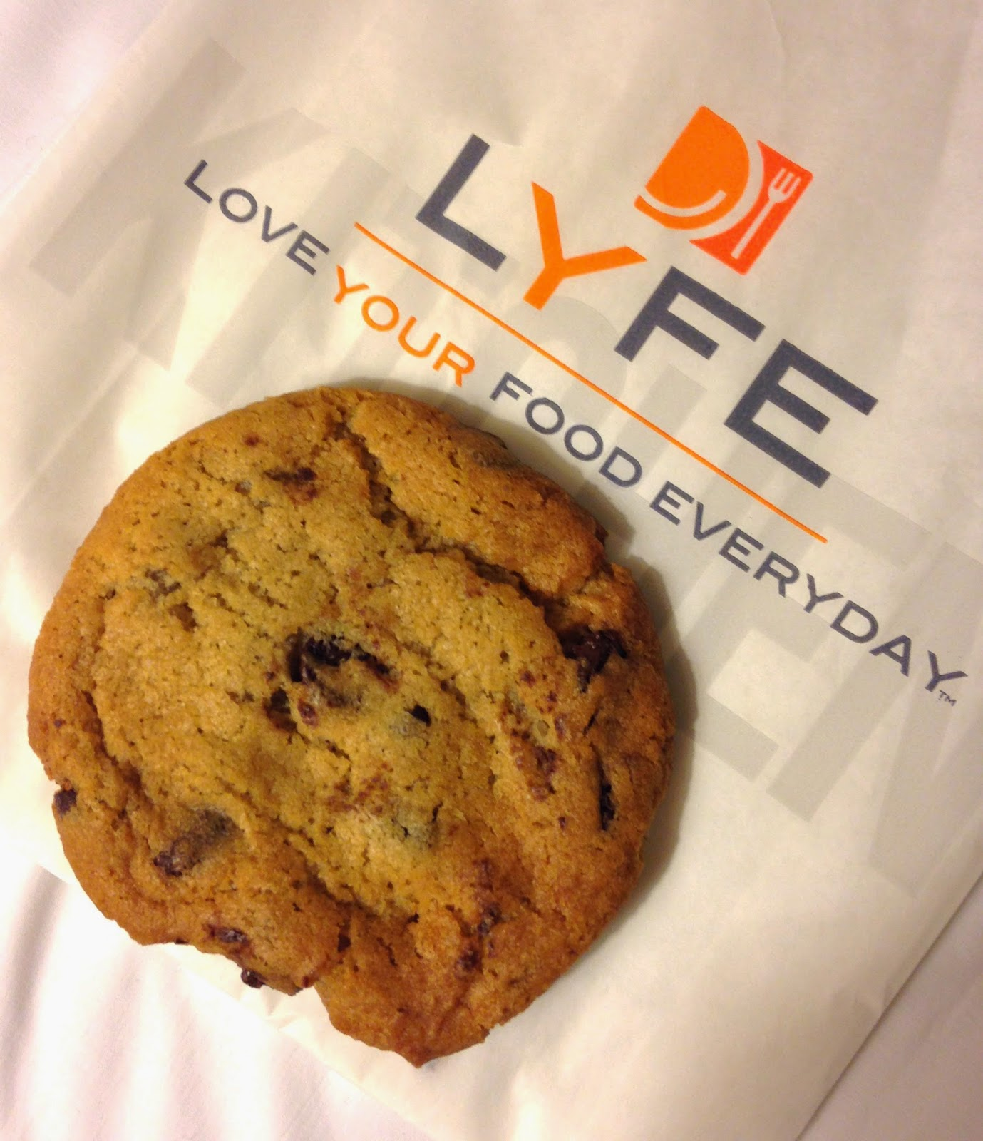 Vegan Chocolate Chip Cookie - LYFE Kitchen Chicago Veega