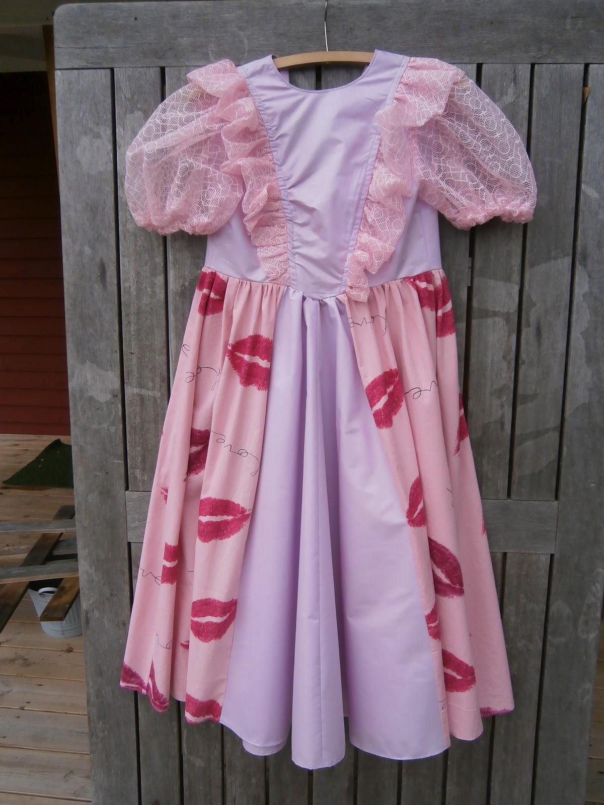 Tekstilarkivet: september 2012