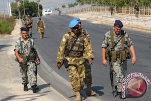 Satuan Tugas TNI dalam Kontingen Garuda di UNIFIL berpatroli bersama mitranya di Lebanon, beberapa waktu lalu. (dokumentasi TNI)
