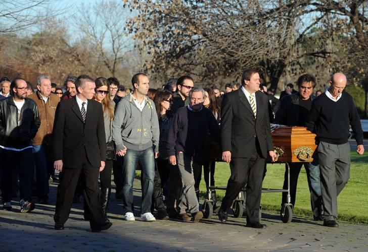 Bahiablancanoticias esp ctaculos el ltimo adi s a juan for Cementerio jardin de paz pilar
