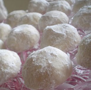 Delicious Italian Wedding Cookies