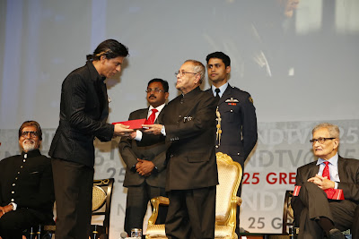 Shah Rukh Khan receives India's Greatest Global Living Legend award
