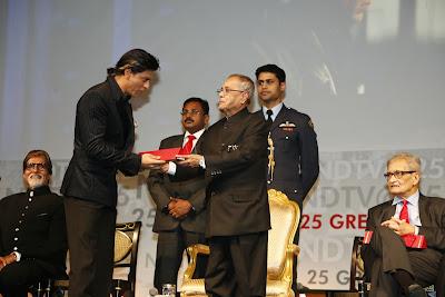 Shah Rukh Khan receives India's Greatest Global Living Legend award