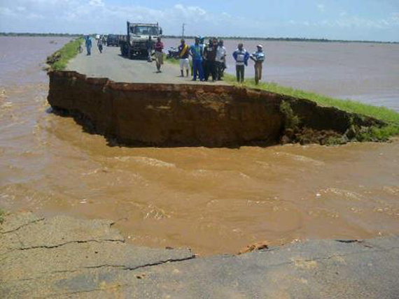 http://silentobserver68.blogspot.com/2013/01/mozambique-flooding-displaces-thousands.html