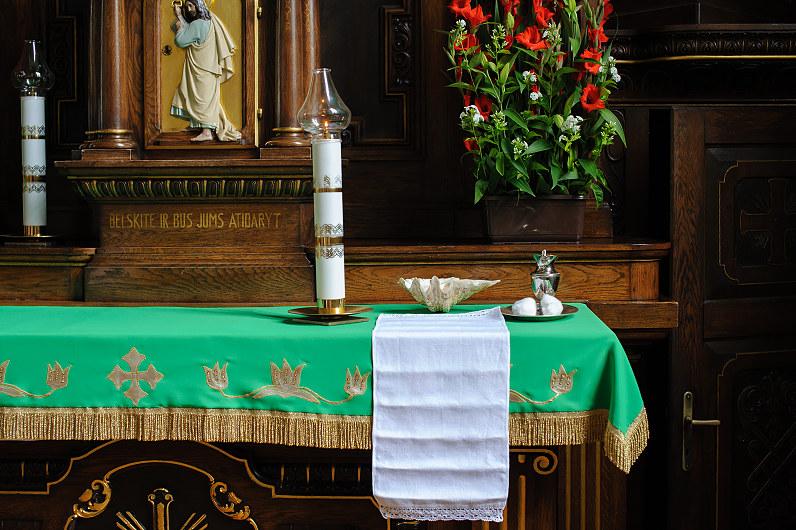 krikšto altorius
