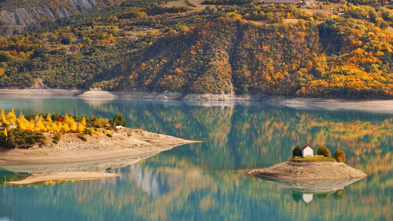 Lake serre pon on and saint michel chapel hautes alpes for Hautes alpes
