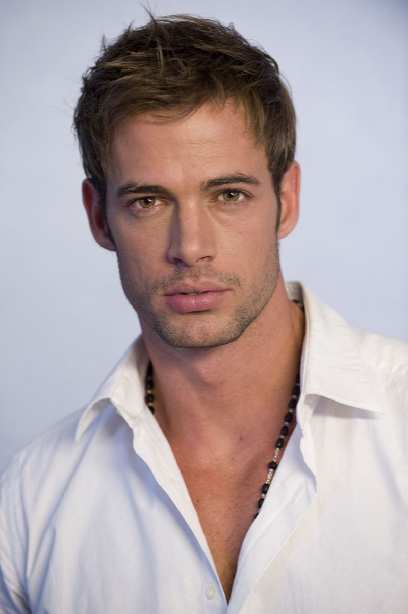 Mas fotos del nuevo look de William Levy para La Tempestad aqui