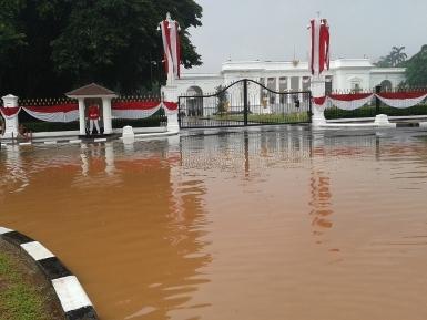 Istana Merdeka Pun Terendam Banjir