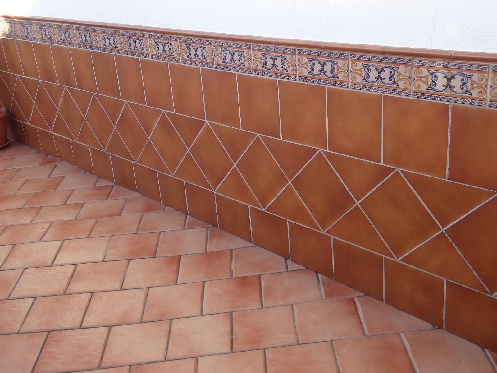 Construcciones confonel s l galer a for Zocalos rusticos para patios