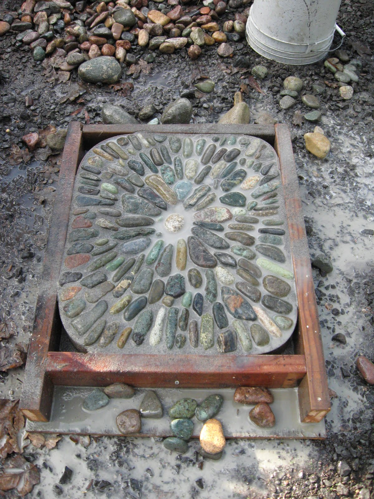 Granite Stepping Stones : Jeffrey bale s world of gardens building a pebble mosaic