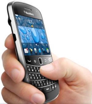 BlackBerry Bold Touch 9900 Dakota Ponsel QWERTY Harga 4 Jutaan.