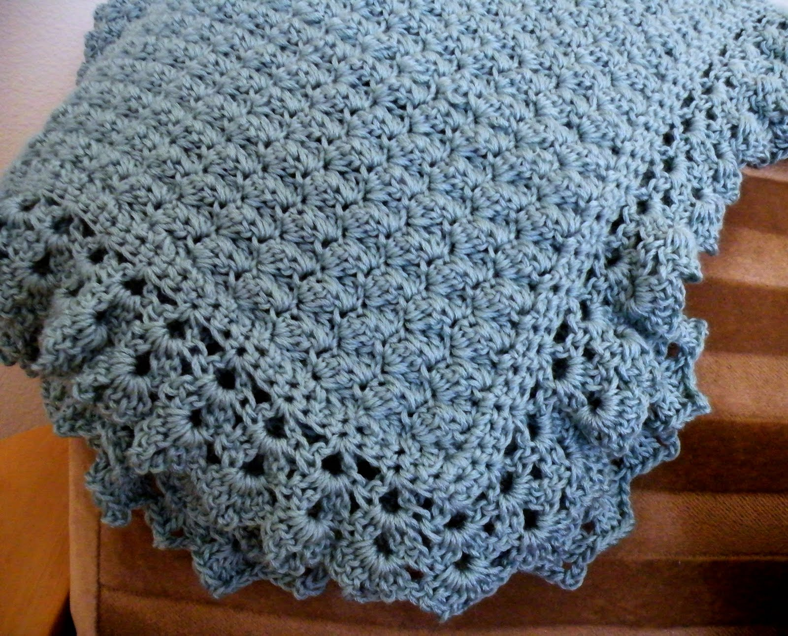 Crochet A Baby Blanket : Little Scraps of Happiness: Crochet Baby Blanket Pattern