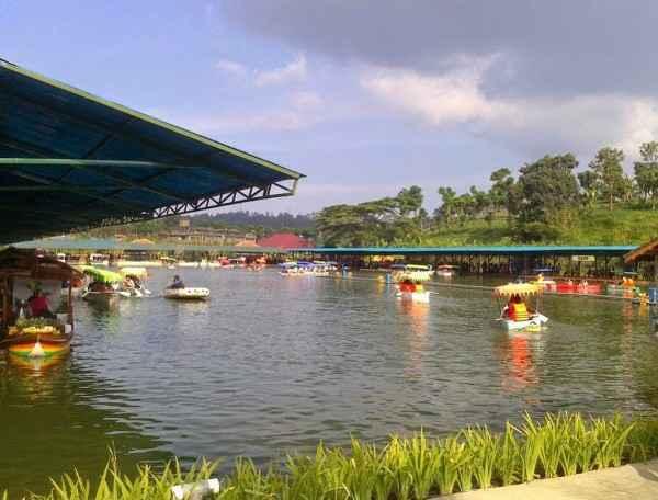 Paket Wisata Floating Market Lembang Bandung