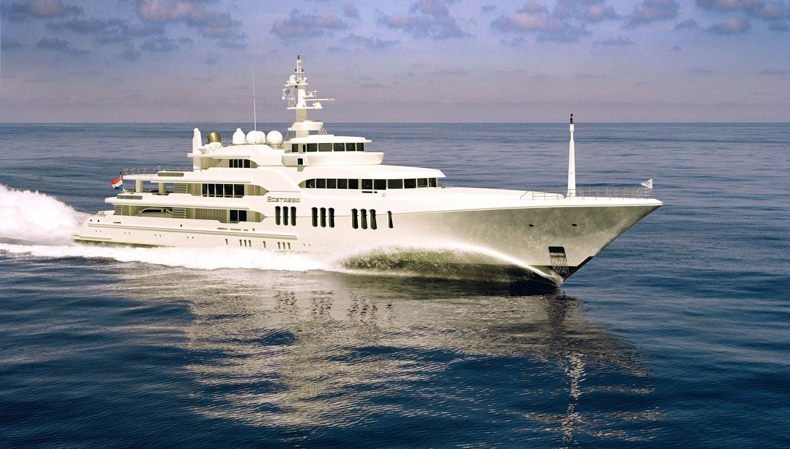 Superyacht ECSTASEA