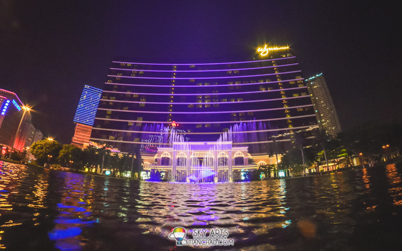 Wynn Macau's Water Fountain(Performance Lake) at night