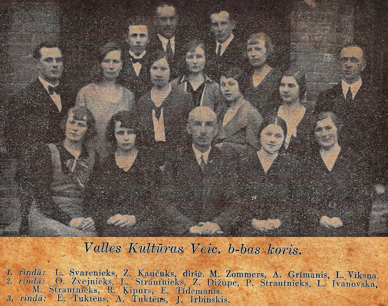 Valles kultūras veicināšānas biedrības koris 1933. gadā . Diriģents Mārtiņš Zommers